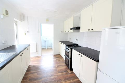 3 bedroom terraced house to rent - Ludlow Road,,Southampton,Hampshire