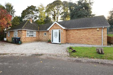 4 bedroom detached bungalow to rent - London Road, Shendish, Hemel Hempstead, Hertfordshire, HP3