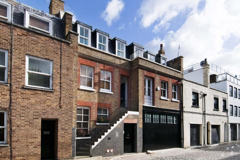3 bedroom flat to rent - Weymouth Mews, Marylebone, London