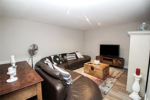 2 bedroom apartment for sale - Stirling House, 21-25 Station Lane, Hornchurch, RM12
