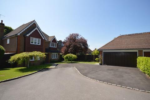 5 bedroom detached house to rent - Bardolphs Close, Princes Risborough