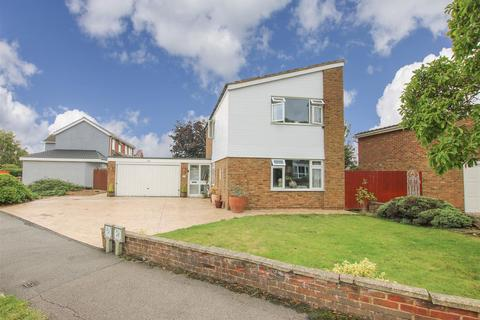 3 bedroom detached house for sale - Langdon Avenue, Aylesbury