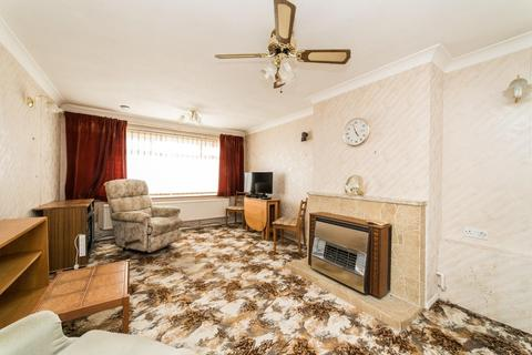 2 bedroom bungalow for sale - Kite Farm, Whitstable