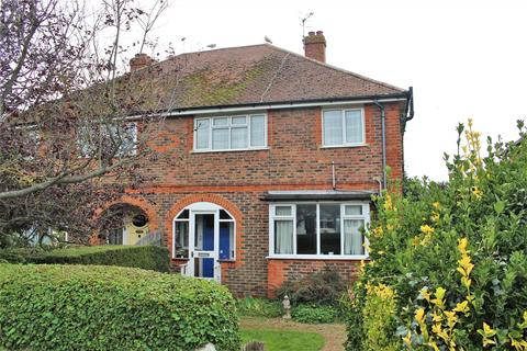 3 bedroom semi-detached house for sale - Grosvenor Road, Seaford