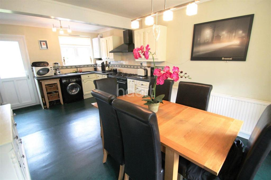 3 Bedrooms End Of Terrace House for rent in Trent Garden, N14