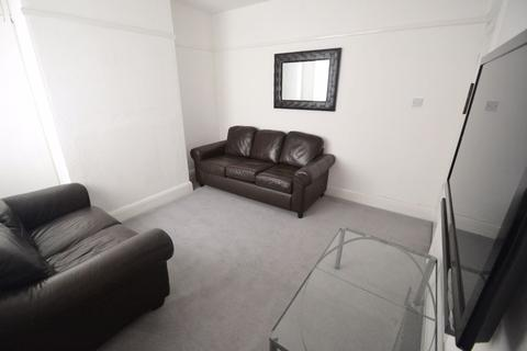 4 bedroom house to rent - Abbey Street, NG7 - UON