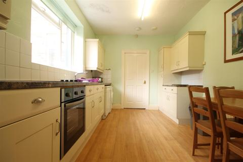 4 bedroom terraced house to rent - Roxburgh Place, Heaton