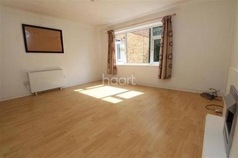 2 bedroom flat to rent - Elsalene Court, London Road