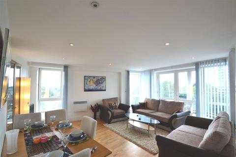2 bedroom flat for sale - Chiswick High Road, Chiswick, W4