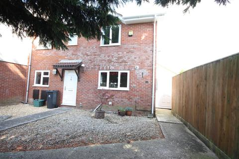 2 bedroom semi-detached house for sale - Detached Garage, No Onward Chain