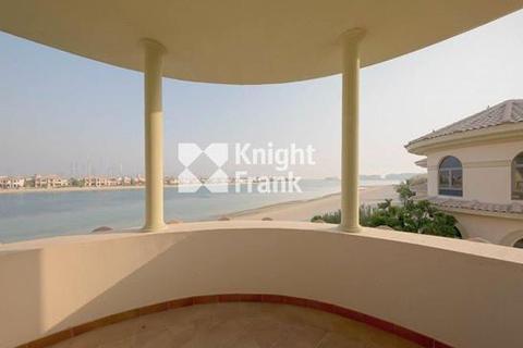 5 bedroom villa - Palm Jumeirah, Dubai, UAE