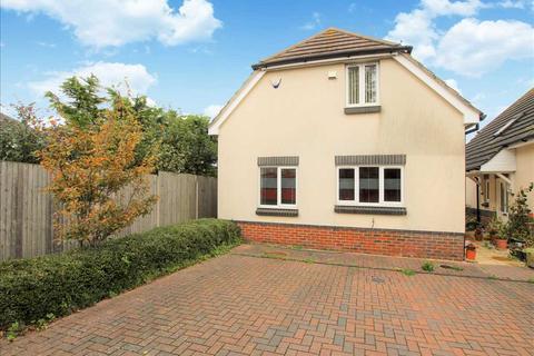 3 bedroom detached house to rent - Saxon Close, Poole