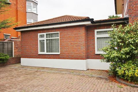 2 bedroom flat to rent - Scarisbrick New Road, Southport, PR8 6LR