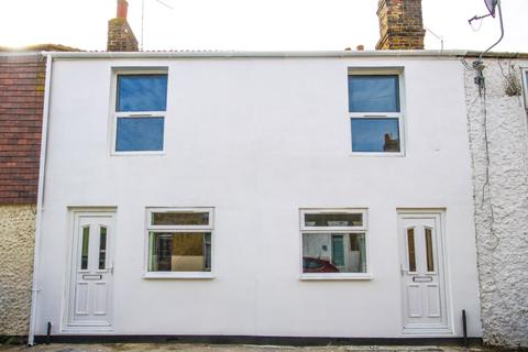 2 bedroom house - James Street, Sheerness