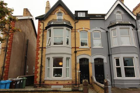 2 bedroom apartment to rent - St. Andrews Road South,  Lytham St. Annes, FY8