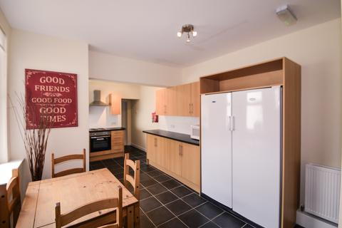 5 bedroom terraced house to rent - Thompson Road, Sheffield S11