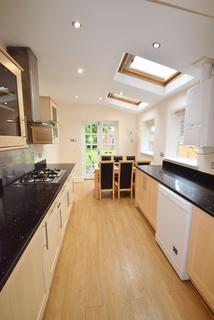 6 bedroom terraced house to rent - Southgrove Road, Sheffield S10