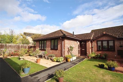 2 bedroom bungalow for sale - Orchard Court, Verwood, Dorset, BH31