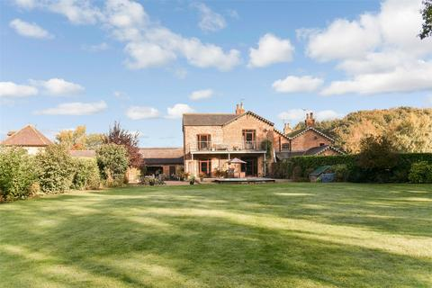 4 bedroom mews for sale - Warren Farm Cottages, Waplington, East Riding of Yorkshire