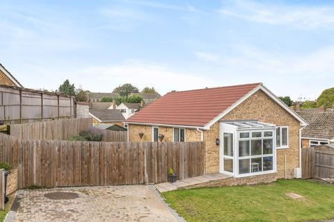 2 bedroom detached bungalow for sale - Park Way, Coxheath