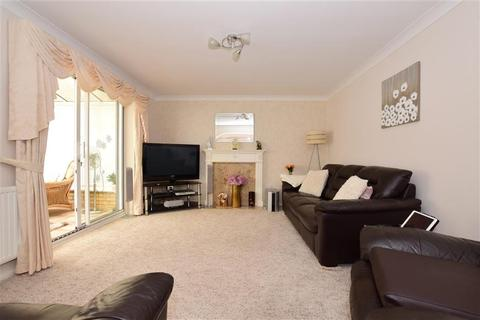 4 bedroom detached house for sale - Frerichs Close, Wickford, Essex