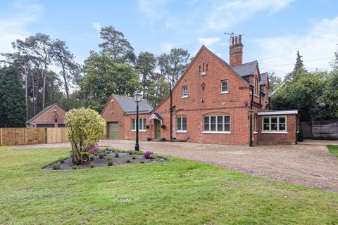 4 bedroom detached house to rent - Kings Ride, Ascot, Berkshire, SL5