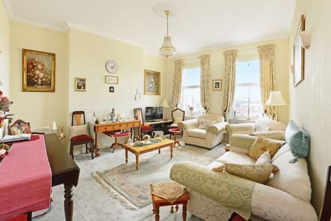 2 bedroom apartment for sale - The Esplanade, Weymouth, DT4