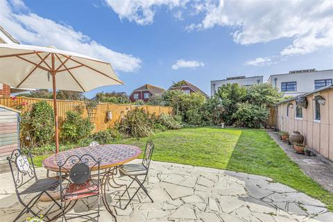 4 bedroom detached bungalow for sale - The Meadway, Shoreham-By-Sea