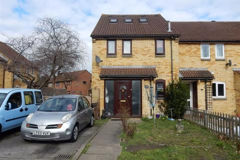1 bedroom end of terrace house for sale - Badgers Close, Hayes, Middlesex