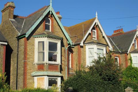 5 bedroom end of terrace house for sale - Victoria Park, Herne Bay