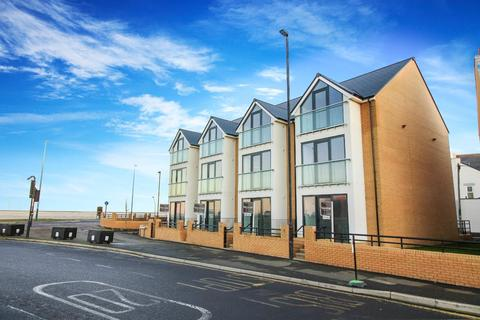3 bedroom terraced house for sale - Empress Point, Park Avenue, Whitley Bay