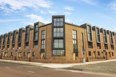 5 bedroom terraced house for sale - High Point View, Promenade, Cullercoats