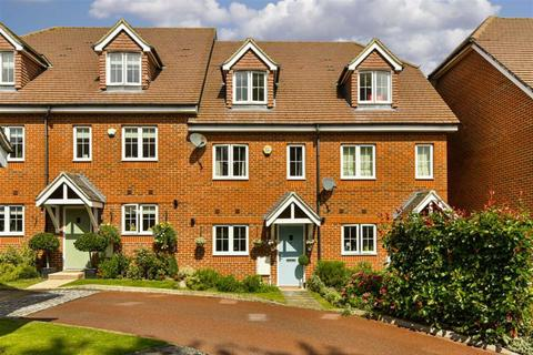 3 bedroom terraced house for sale - Osprey Drive, Epsom Downs, Surrey
