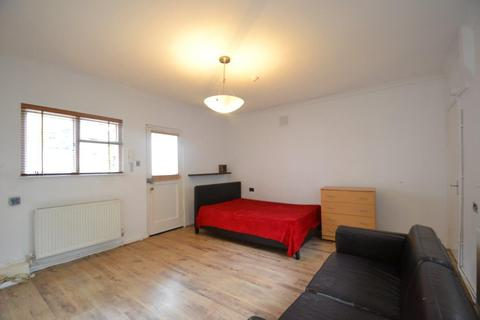 Studio to rent - Park Hill, Ealing, W5