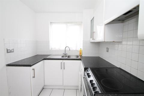 1 bedroom flat to rent - Celadon Close, Enfield EN3