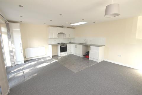 2 bedroom detached bungalow to rent - The Quadrant, Houghton Regis, Dunstable