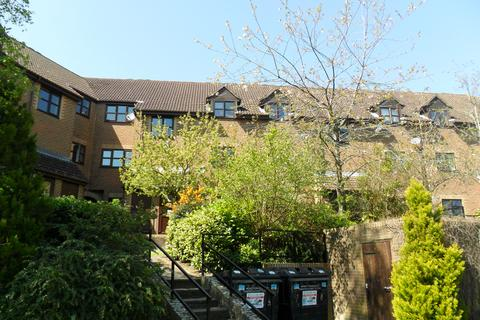 1 bedroom flat for sale - Chalet Court, Bordon GU35