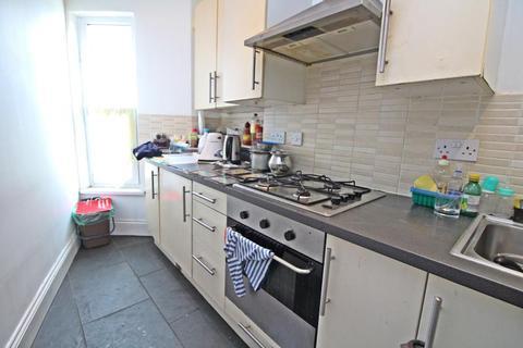 2 bedroom flat to rent - Corporation Road, Grangetown - Cardiff CF11