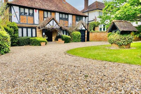 5 bedroom detached house to rent - Brookmans Park, Hertfordsire AL9