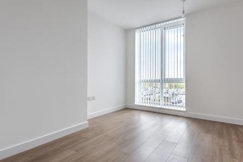 2 bedroom apartment to rent - Bond Way, Bracknell, RG12