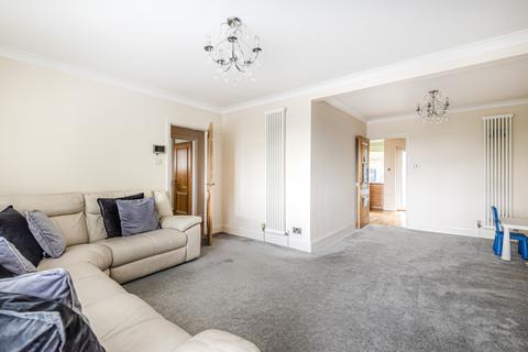 4 bedroom bungalow for sale - Broom Mead Bexleyheath DA6