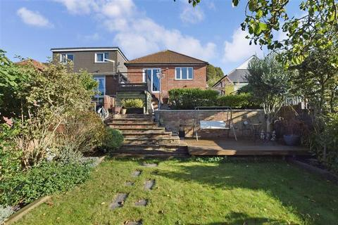 3 bedroom detached bungalow for sale - Queens Avenue, Elms Vale, Dover, Kent