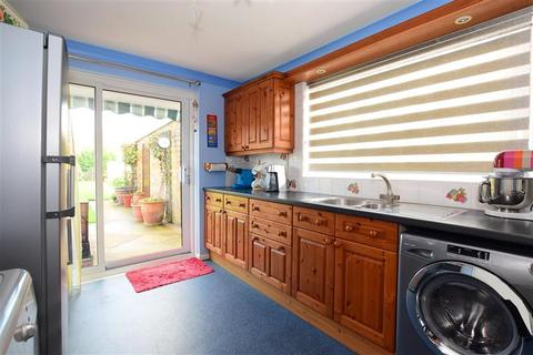 4 bedroom semi-detached bungalow for sale - Western Road, Sompting, Lancing, West Sussex