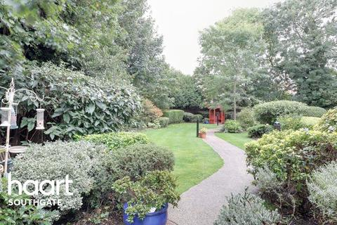 2 bedroom flat for sale - Pegasus Court Green Lanes, Winchmore Hill, N21