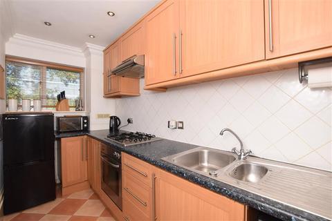 1 bedroom flat for sale - London Road, River, Dover, Kent