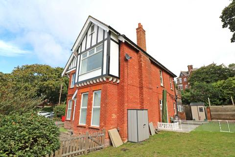 2 bedroom flat to rent - Warwick Road, Lower Parkstone, Poole