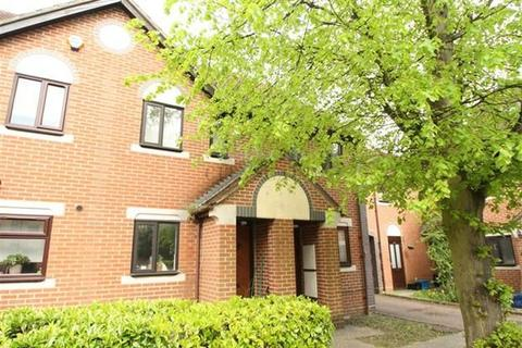 2 bedroom terraced house to rent - Swan Drive, Colindale, London