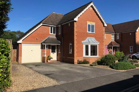 4 bedroom detached house for sale - Halnaby Avenue, Darlington
