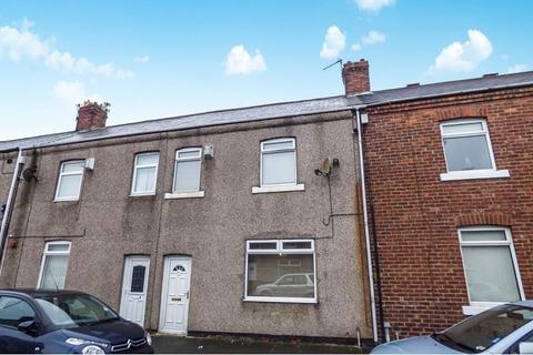 3 bedroom terraced house for sale - Milburn Road, Ashington, Northumberland, NE63 0NF
