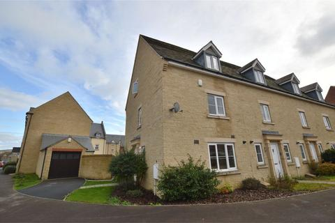 3 bedroom end of terrace house for sale - Greenacre Way, Bishops Cleeve, Cheltenham